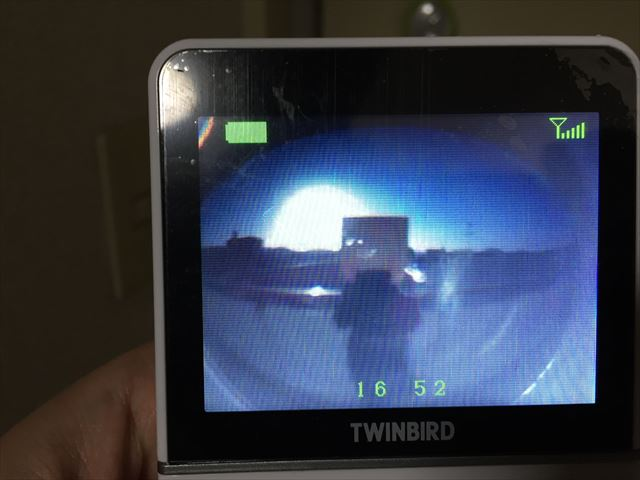 逆光でのドアモニターの映像の見え方