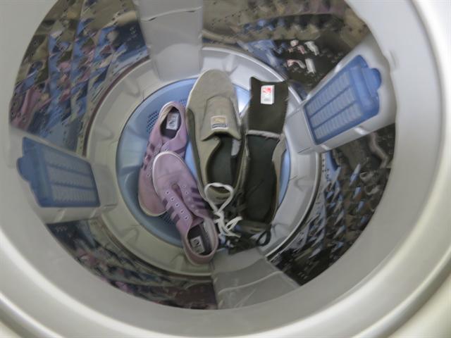靴を洗濯機で脱水