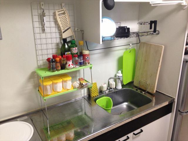 一人暮らしのときのキッチンの収納棚