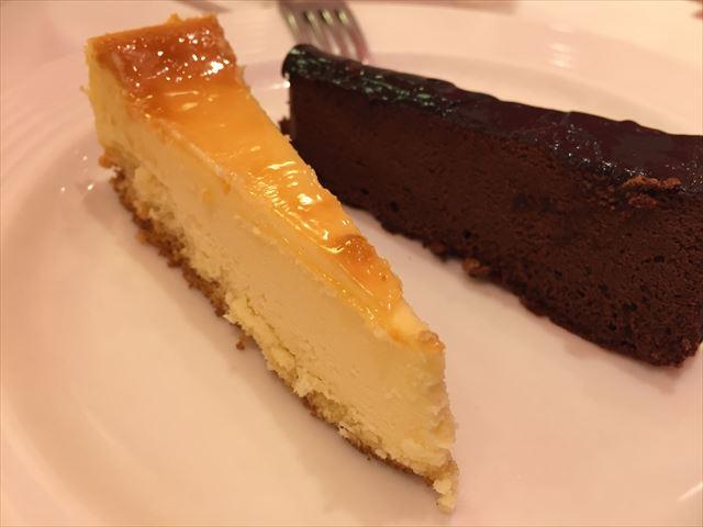 スイパラ福岡のベイクドチーズケーキとガトーショコラ